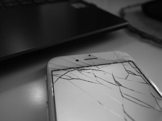 「iPhone修理」は新宿に本店を構える【iPhone修理Worker】へお任せ。- 当日対応・技術力も口コミで人気!新宿にお住まいの方は、ぜひご相談ください -