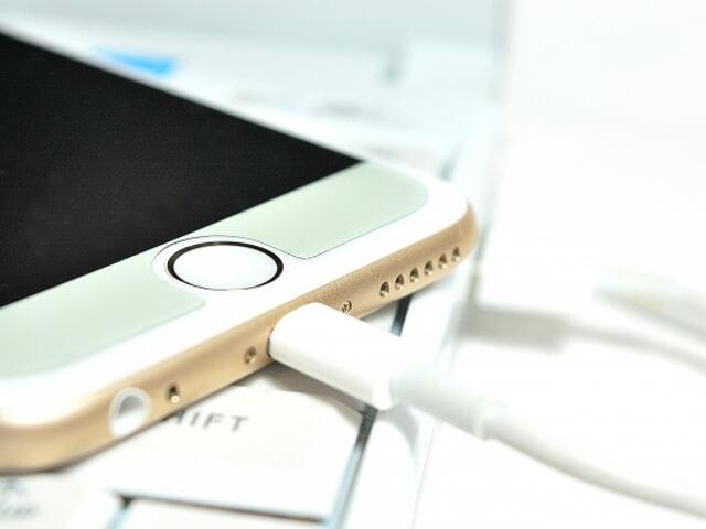 iPhone内蔵のリチウムイオン電池には寿命がある