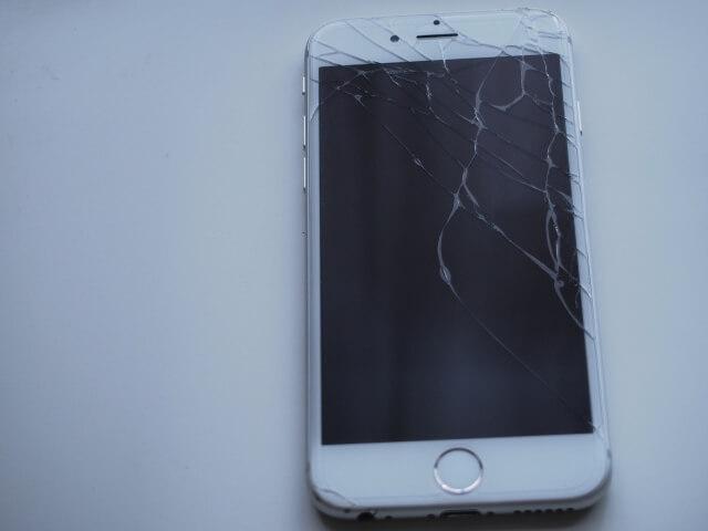 新宿でアイフォン修理なら早い・丁寧な対応の修理店へ!